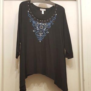 Dress Barn Woman 3X Sharkbite Hem Embroidered Top